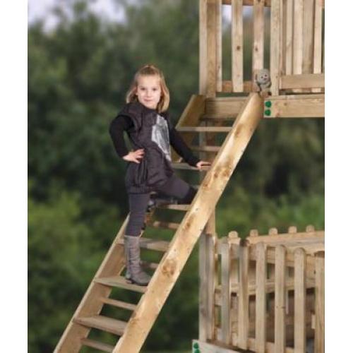 Speeltoestellen buiten houten speeltoestel schommels for Trap buiten hout